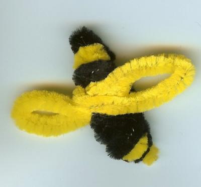 pipecleanerbee.jpg